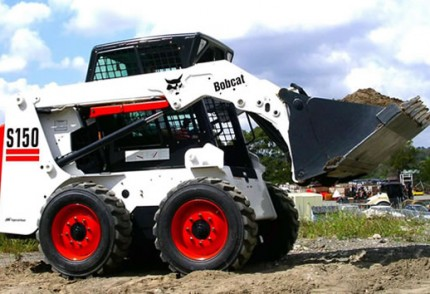 South Coast KZN Plant hire: BOBCAT S150 SKID STEER LOADER