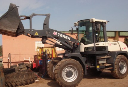 South Coast Plant hire: TEREX TL160 PAYLOADER 2M2 BUCKET